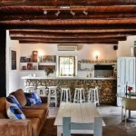 Old Potters Inn Greyton livingroom