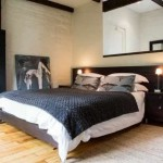Old Potters Inn Greyton king bedroom