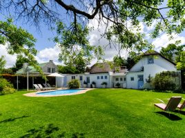 Greyton Small House garden and pool
