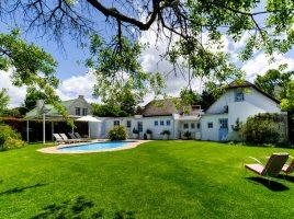 Greyton Small House garden and pool